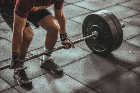 fitness oefening deadliften
